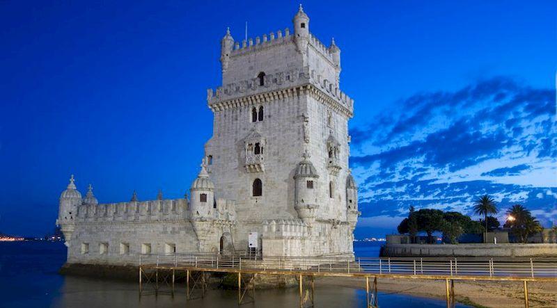 Древний замок Торре де Белем, фото