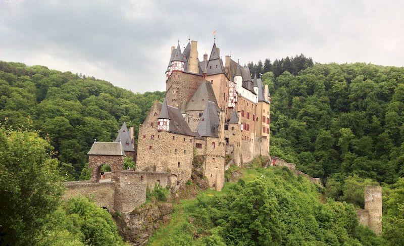 Старинный замок Эльц, Германия