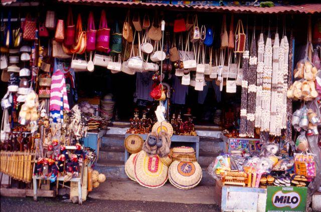 Индонезийская сувенирная лавка