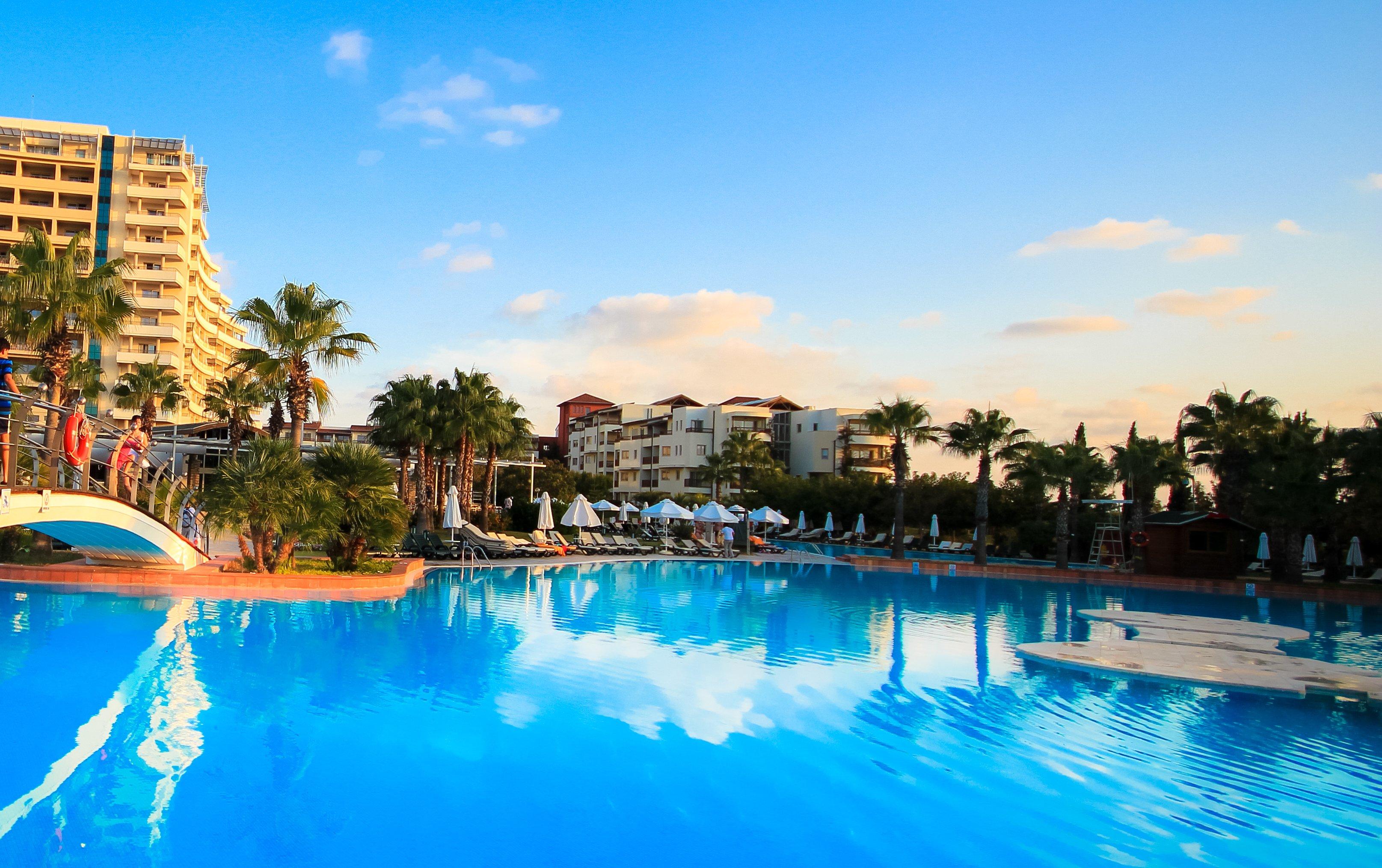 Бассейн в турецком отеле