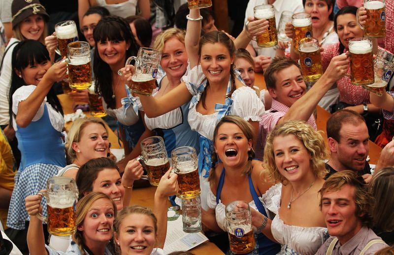 Октоберфест: что это такое и с чем его пьют