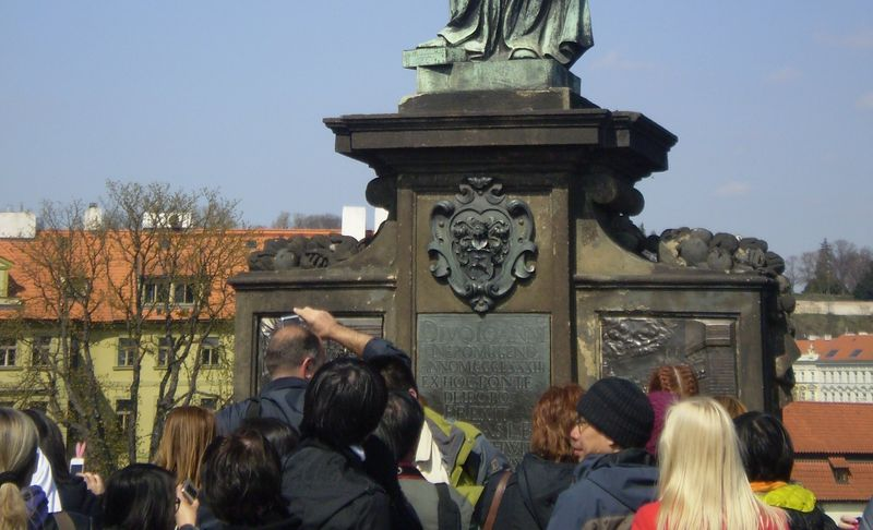 Статуя Яна Непомуцкого, Чехия