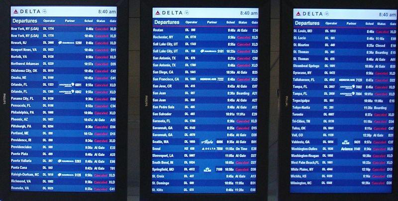 Что делать, если отменили рейс на самолёт