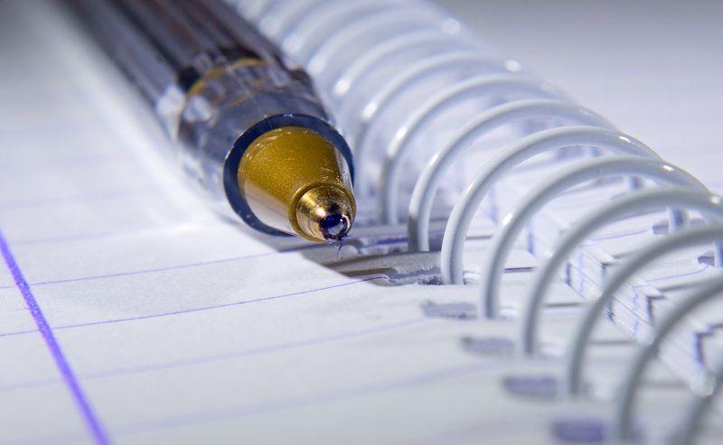 Ручка - необходимая вещь в самолёте