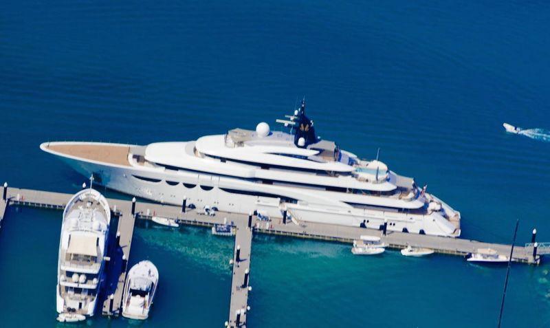 Eclipse - одна из лучших яхт для кругосветного путешествия
