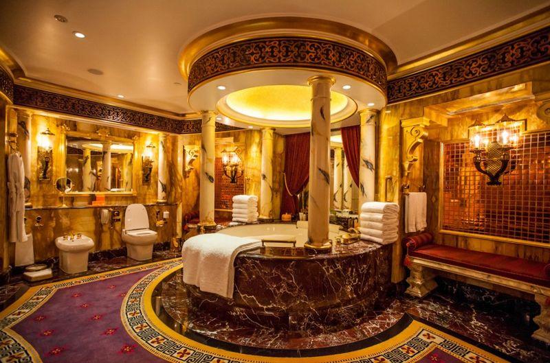 Бурдж аль-Араб, один из самых дорогих отелей мира, фото