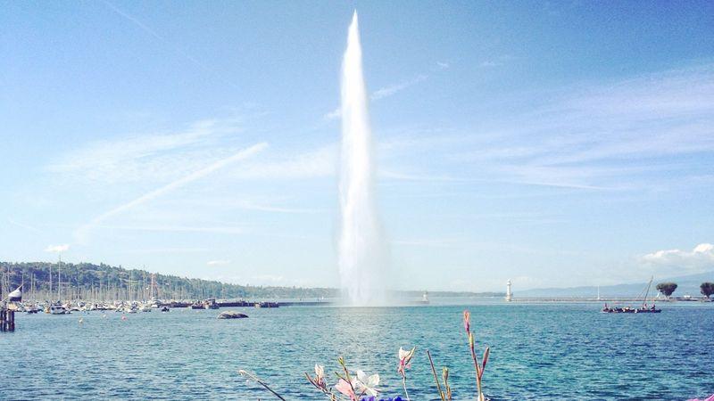 Фонтан Jet d'Eau в Женеве