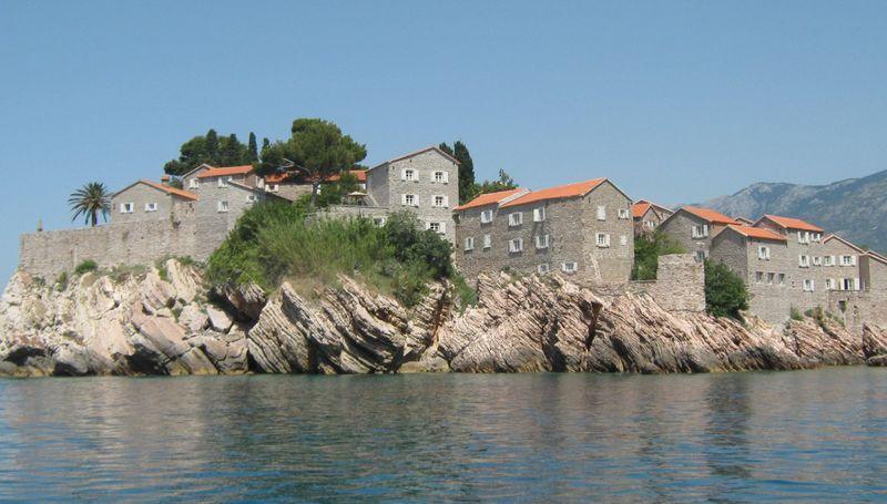 Остров-отель Святой Стефан в Черногории