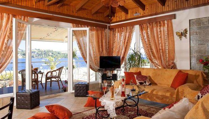 Molfetta Beach, отель в Греции с собственным пляжем