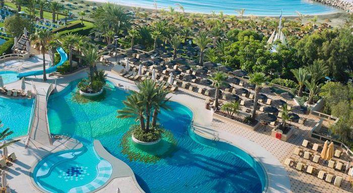 Four Seasons, отель на Кипре