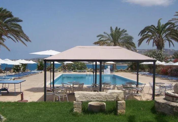 Vrachia Beach Resort, гостиница на Кипре