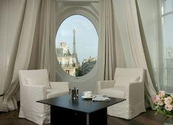 Le Metropolitan, отель 4 звезды с видом на Эйфелеву башню