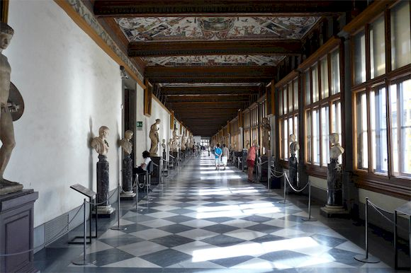 Галерея Уффици внутри, Флоренция