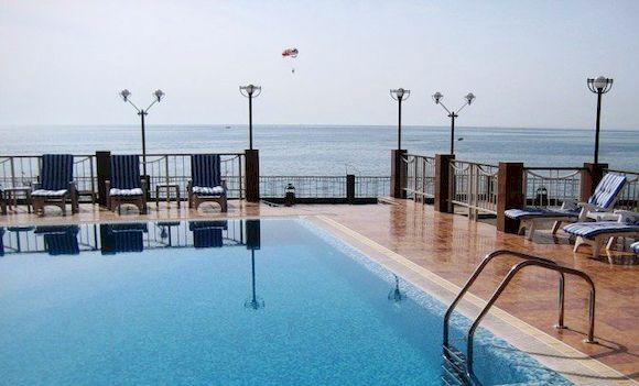 Алекс Бич, отель в Абхазии, фото