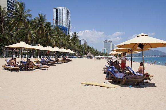Dendro Gold Hotel, отель с собственным пляжем в Нячанге, Вьетнам, фото