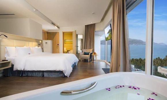Liberty Central Nha Trang Hotel, отель с пляжем в Нячанге, фото