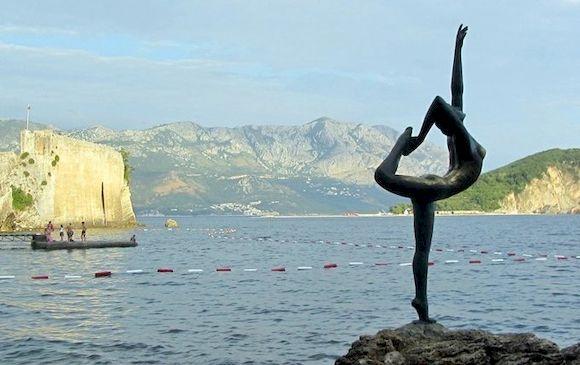 Балерина, символ Будвы, Черногория