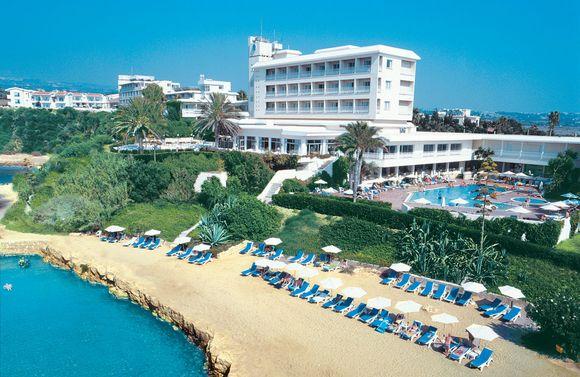 Cynthiana Beach Hotel, отель 3 звезды на Пафосе