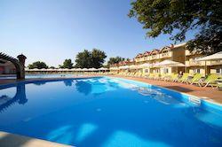Довиль Hotel & Spa, отель в Анапе с бассейном