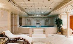 Спа отель Гранд Отель Эмеральд с бассейном в Ленинградской области, фото