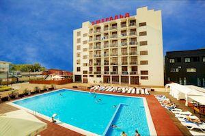 Эмеральд, отель в Витязево с собственным пляжем
