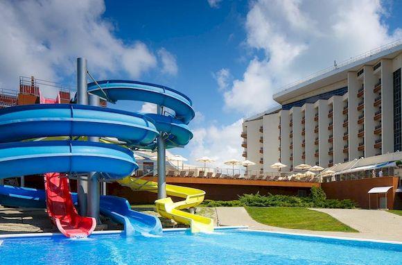 Геленджик, отдых 2017 с детьми: отели с бассейном, рядом с морем