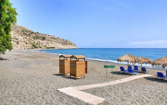 Пляж Миртос в Греции с белым песком