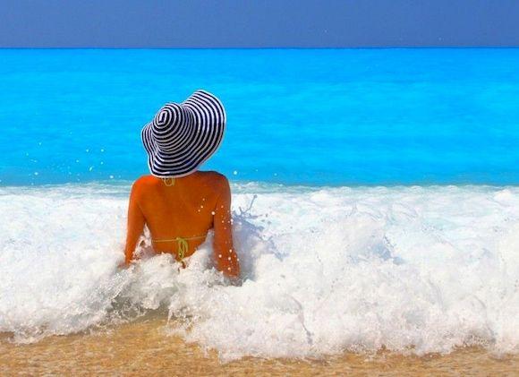 Пляж Парадайз в Греции с белым песком