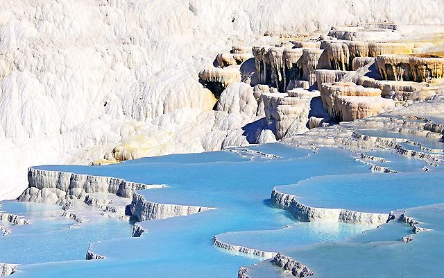 Природные бассейны с термальной водой