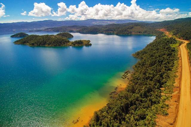 озеро Матано