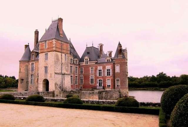Замок Ла Бюссер