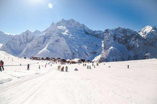 Лыжи на Домбае