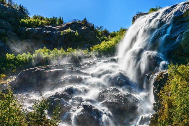 Аликбекский водопад