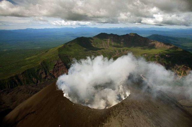 Вулканы курил