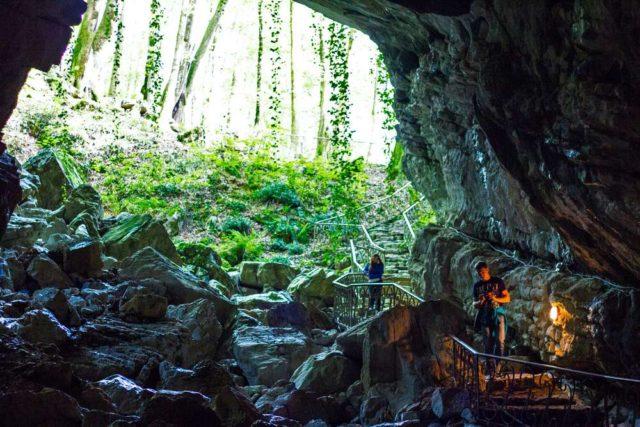 ахунские пещеры