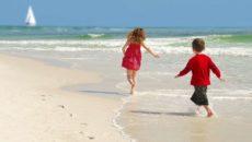 Куда поехать отдыхать в июле с детьми на море за границу?