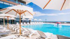Отели Адлера с бассейном и шведским столом