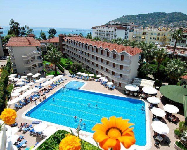 отели в Аланье в августе