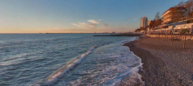 Пляжи Сочи на набережной