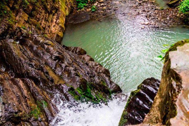 Водопад Змейка