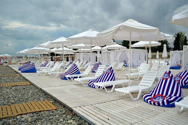 Пляж Олимпийский в Адлере