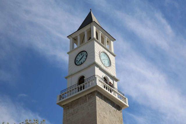 Башня с часами в Тиране