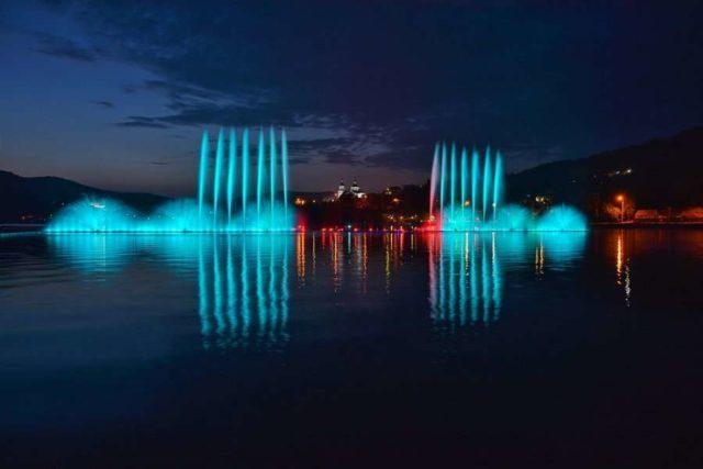 Поющие фонтаны в Абрау Дюрсо