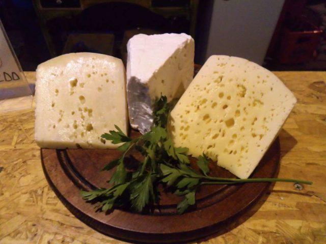 Сыр из Албании