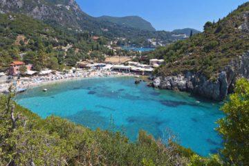 Курорт Палеокастрица на Корфу