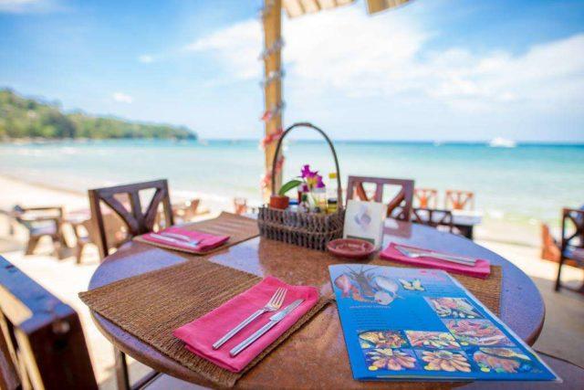 кафе пляжа Банг Тао