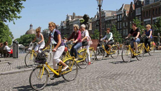 На велосипеде по Амстердаму