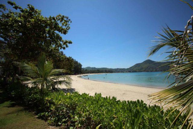 Отдых на пляже Камала