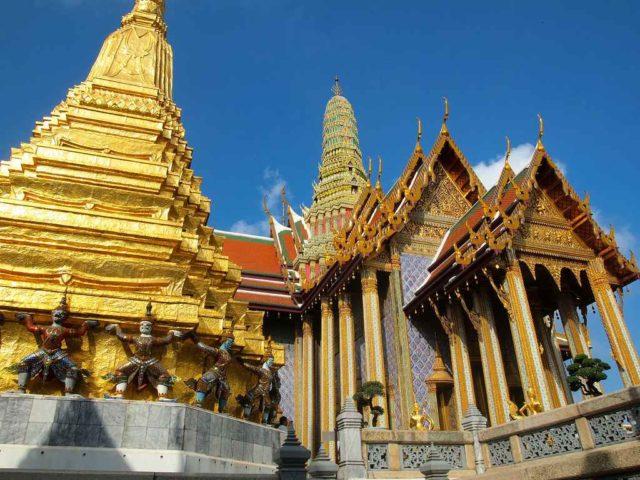 Архитектура Храма Изумрудного Будды