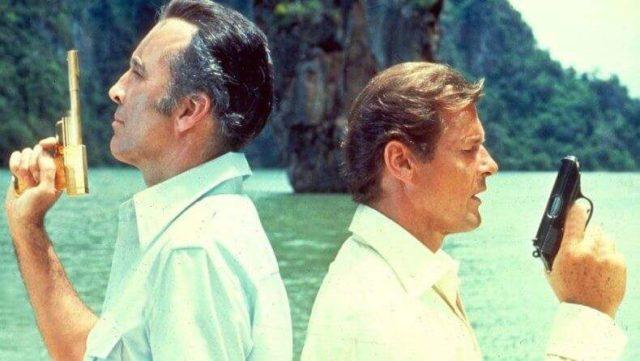 Кадр из фильма про Джеймса Бонда у острова
